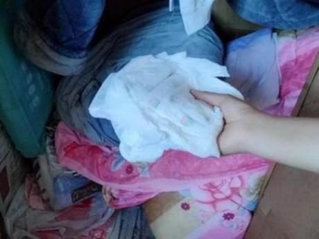Tủ quần áo có to đến đâu cũng không nên để những thứ này, nhất là cái cuối cùng