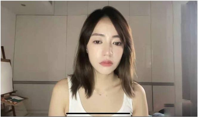 Luôn bị so sánh với bố đẻ, con gái Triển Chiêu đẹp trai nhất màn ảnh lên mạng khóc - 1