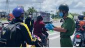 Hàng loạt phương tiện rời TP.HCM về quê phải trở lại vì không bảo đảm quy định phòng dịch