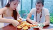 Sao vào bếp: Thủy Tiên khoe bữa ăn chỉ 10k, Công Vinh và con gái phản ứng bất ngờ