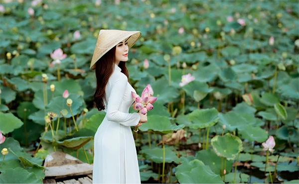 Đam mê thời trang, Phạm Thị Như Quỳnh khởi nghiệp thành công với 2 cửa hàng thời trang - 2