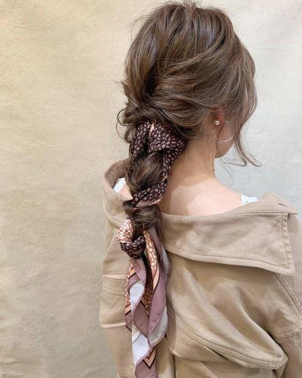 Biến tấu 4 kiểu tóc phong cách Hàn Quốc chỉ bằng 1 chiếc khăn lụa - 8