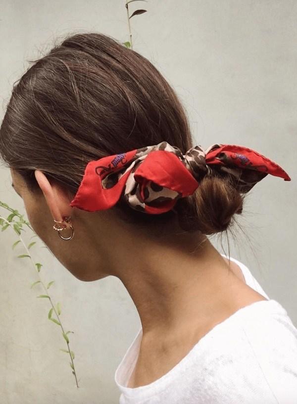 Biến tấu 4 kiểu tóc phong cách Hàn Quốc chỉ bằng 1 chiếc khăn lụa - 12