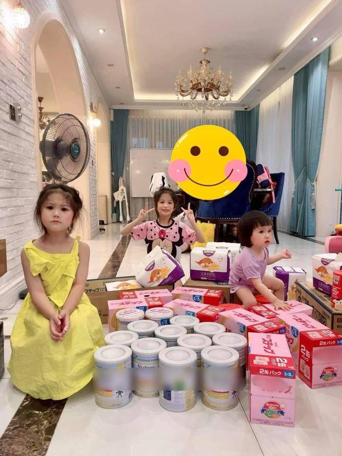 Đàm Thu Trang chuẩn mẹ bỉm sữa đại gia, trữ sữa thành núi cho con trong mùa dịch - 6