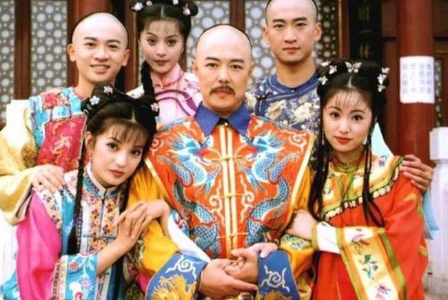 """Công chúa thiện lương nhất của Hoàn Châu Cách Cách từng """"bật"""" thợ trang điểm vì dám làm phật ý - 1"""
