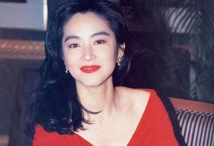 """Công chúa thiện lương nhất của Hoàn Châu Cách Cách từng """"bật"""" thợ trang điểm vì dám làm phật ý - 5"""
