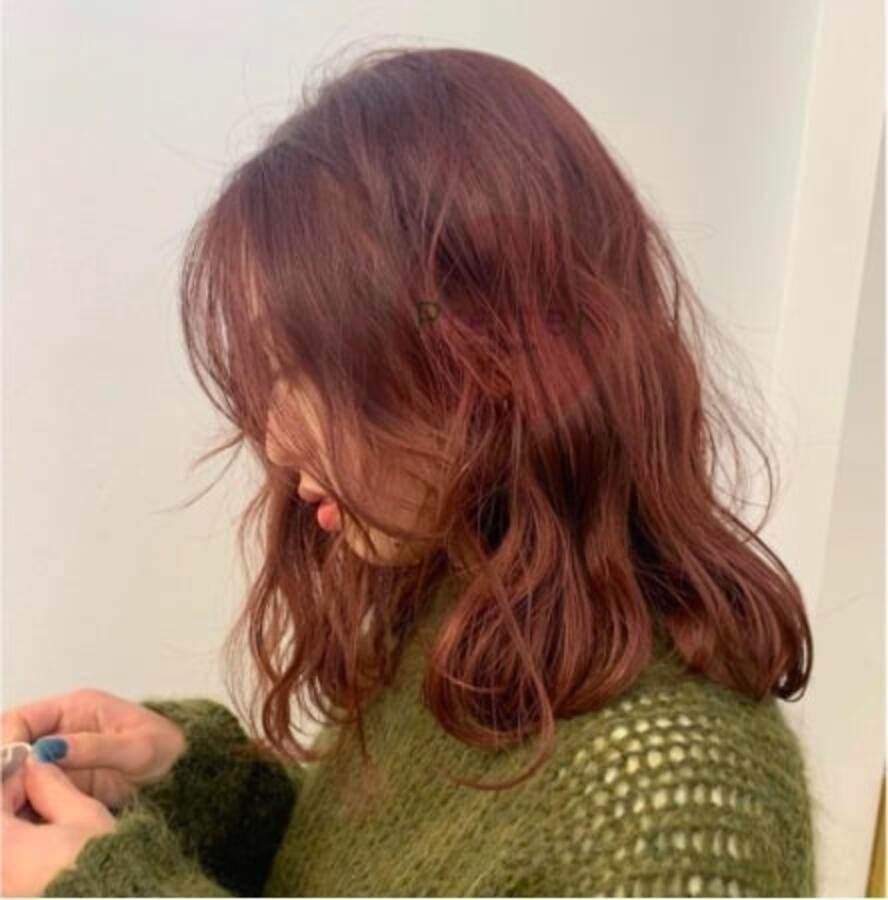 """Không những """"nịnh da"""", làm bật tone tốt, nhuộm tóc màu nâu cam còn giúp nàng hack tuổi dễ dàng - 3"""