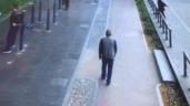 Đang đi bộ, người đàn ông bất ngờ bị cành cây rơi trúng đầu