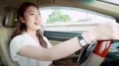 23 tuổi, cô nàng này đã tự mua xe, tặng đất cho bố mẹ, sở hữu đồ hiệu đắt đỏ