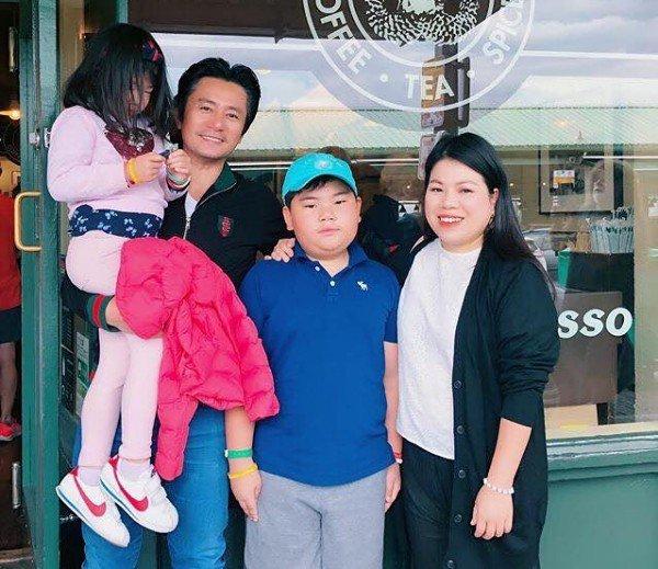 Kiếm 3 tỷ/phút, vua quảng cáo Việt bỏ sự nghiệp sang Mỹ với vợ giàu, 2 con không giống bố - 4