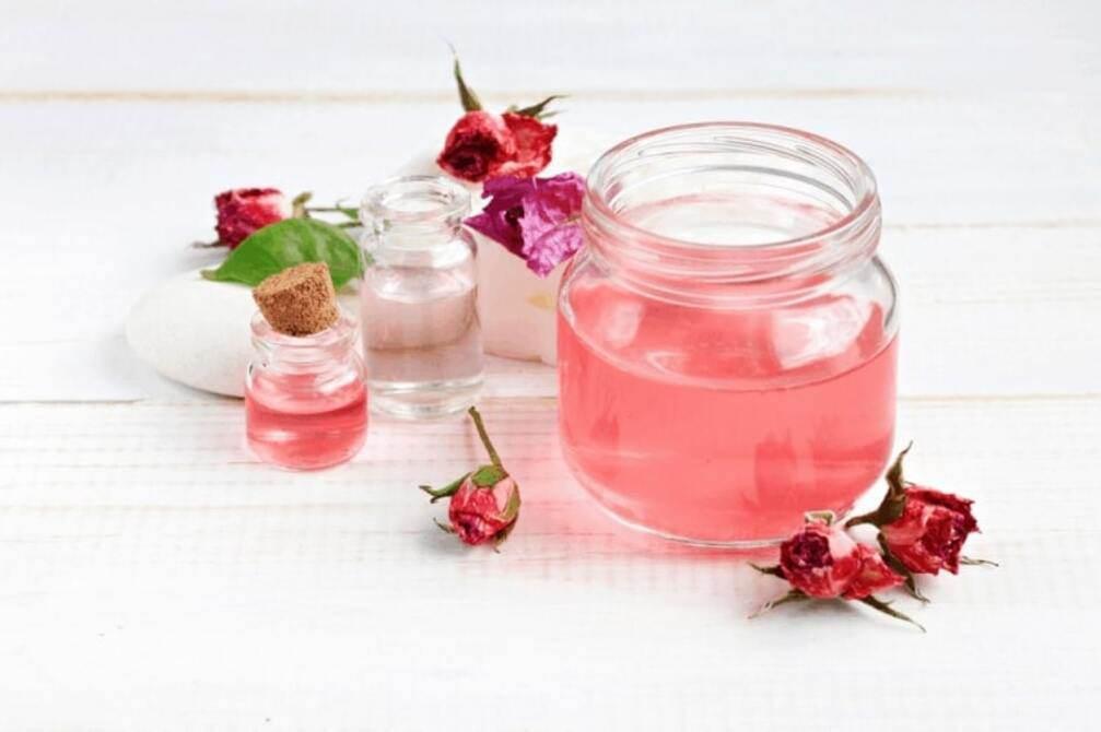 Se khít lỗ chân lông, dưỡng da, cấp ẩm nhờ cách làm nước hoa hồng siêu đơn giản tại nhà - 1