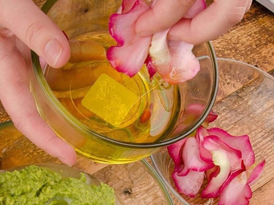 Se khít lỗ chân lông, dưỡng da, cấp ẩm nhờ cách làm nước hoa hồng siêu đơn giản tại nhà - 5