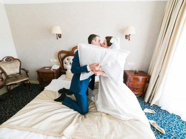 Vợ chồng son chọn chăn ga gối đệm ngày cưới phải biết những điều này