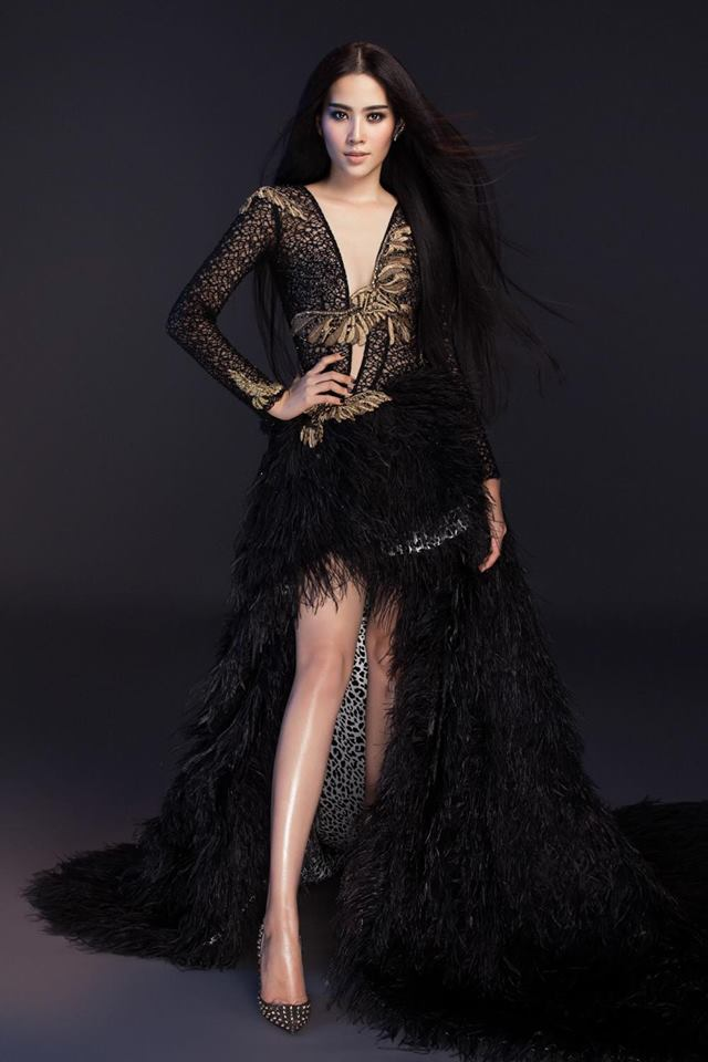 Nam Em đội vương miện, diện váy xẻ bất tận khoe body không chút mỡ thừa