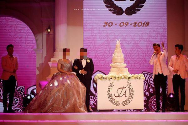 """Tin tức 24h: Bất ngờ về đại gia đứng sau đám cưới """"siêu khủng"""", mời Đàm Vĩnh Hưng làm MC - 1"""