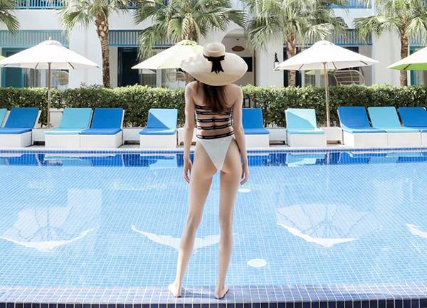 Khong khoe thi thoi, cu moi lan khoe dang voi bikini la mot lan Ha Ho khien fan chao dao