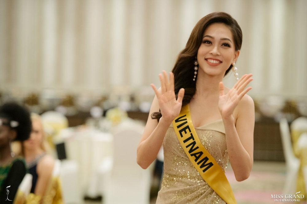 cong dong mang buc xuc truoc tin a hau phuong nga bi choi xau tai miss grand 2018 - 4