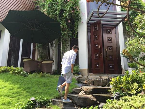 Dam Vinh Hung, Ngoc Son: Cung 'biet phu' 100 ty