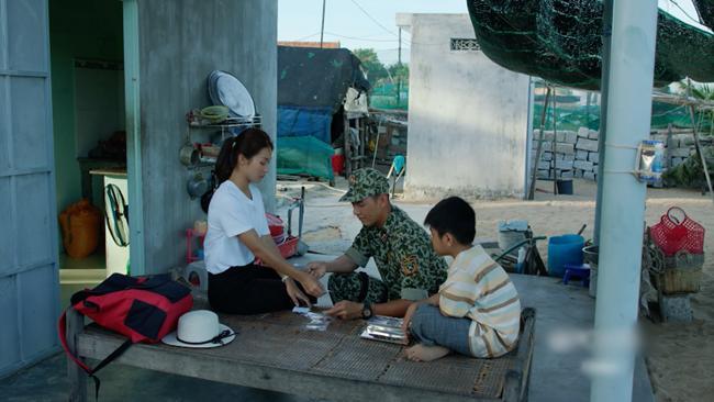 hau due mat troi viet: kha ngan khoc loc thuong tam, khan gia lai che qua on ao - 10