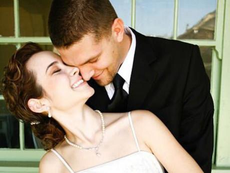 """Cặp đôi cưới 6 năm nhưng không thể """"yêu"""" vì người vợ mắc bệnh phụ nữ khó nói"""