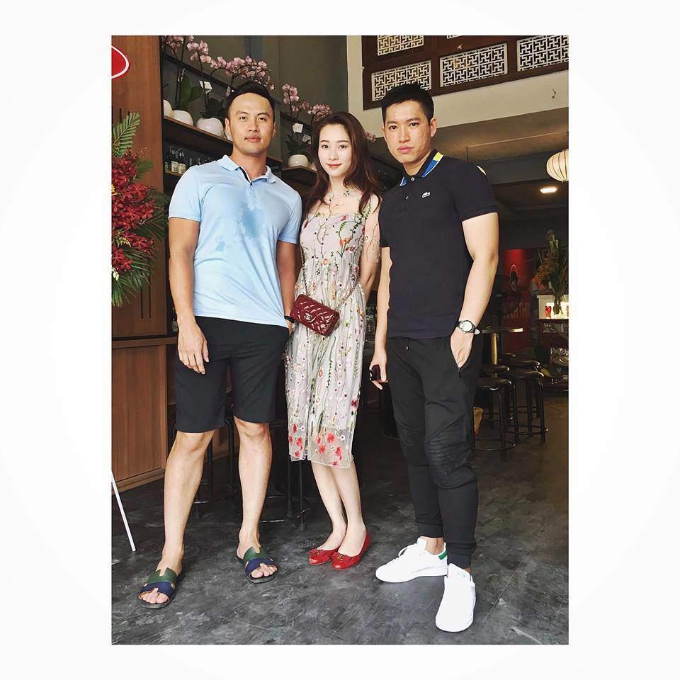 Lấy chồng đại gia nhưng Hoa hậu Đặng Thu Thảo vẫn tiết kiệm, diện đi diện lại đồ cũ