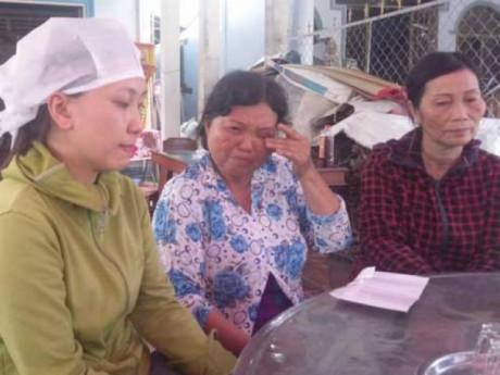 Taxi gặp tai nạn thảm khốc 3 người chết: Nhói lòng mẹ già khóc