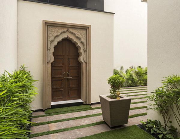 Căn biệt thự nhà vườn kiểu Ấn Độ gây choáng ngợp với nội thất xa hoa - 10