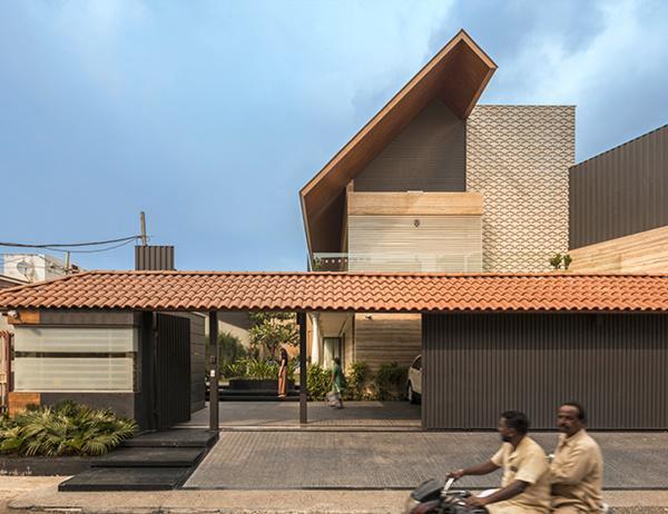 Căn biệt thự nhà vườn kiểu Ấn Độ gây choáng ngợp với nội thất xa hoa - 3