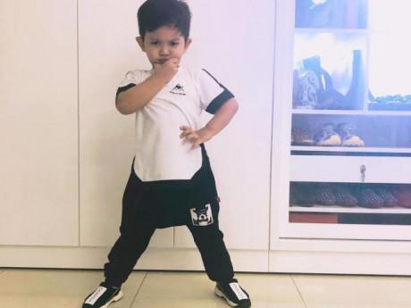 """Mới 3 tuổi, con trai Khánh Thi nhảy cực dẻo được dân mạng khen ngợi """"con nhà nòi"""""""