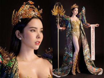 Huỳnh Vy mang hình ảnh cây lúa nặng 20kg đến Miss Tourism Queen Worldwide 2018