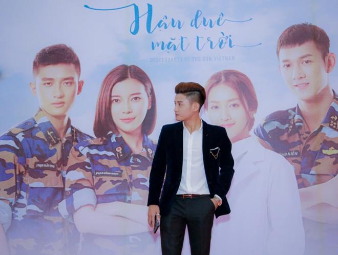 lan dau dong phim trong hau due mat troi, ca si do minh quan duoc dao dien danh loi khen - 3
