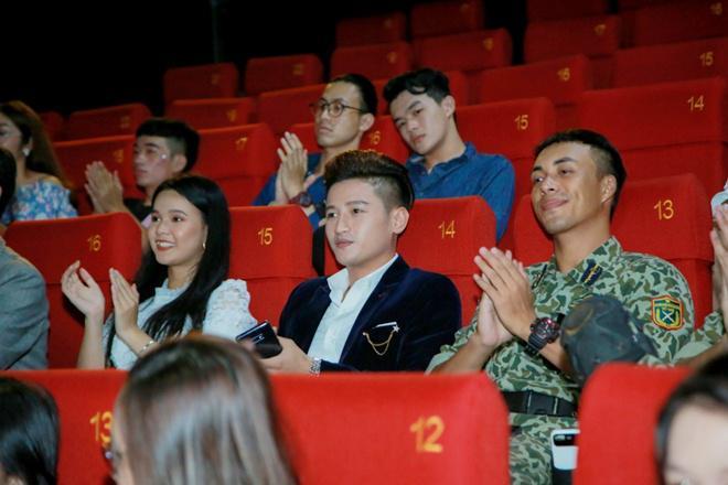 lan dau dong phim trong hau due mat troi, ca si do minh quan duoc dao dien danh loi khen - 2