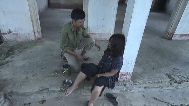 """quynh bup be: lan """"cave"""" dien dai, bi anh nhet com vao mom, khan gia dau long chet con hon - 1"""