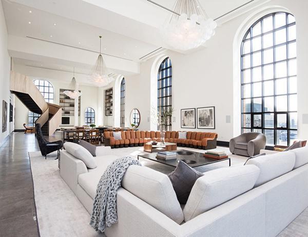 Choáng với căn hộ áp mái nghìn tỷ có phòng khách rộng ngang một bảo tàng - 2