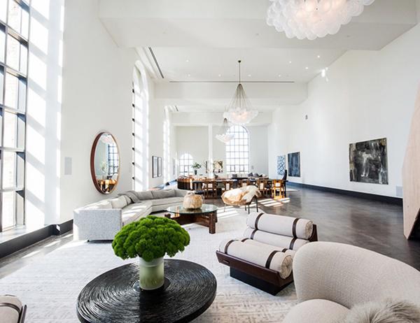 Choáng với căn hộ áp mái nghìn tỷ có phòng khách rộng ngang một bảo tàng - 5