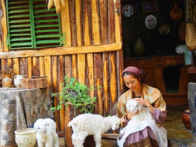 Bị đá đau đớn, cô gái bỏ phố về quê sống ẩn dật nào ngờ nổi tiếng, kiếm bộn tiền