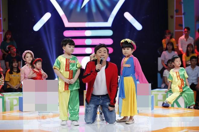 "phat sot voi be 4 tuoi co guong mat ""hon ca the gioi"" ghi ky luc nhanh nhu chop nhi - 7"