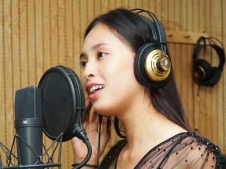 Hoa hậu Tiểu Vy hát 'Lạc trôi' của Sơn Tùng M-TP, chuẩn bị lên đường chinh chiến Miss World 2018