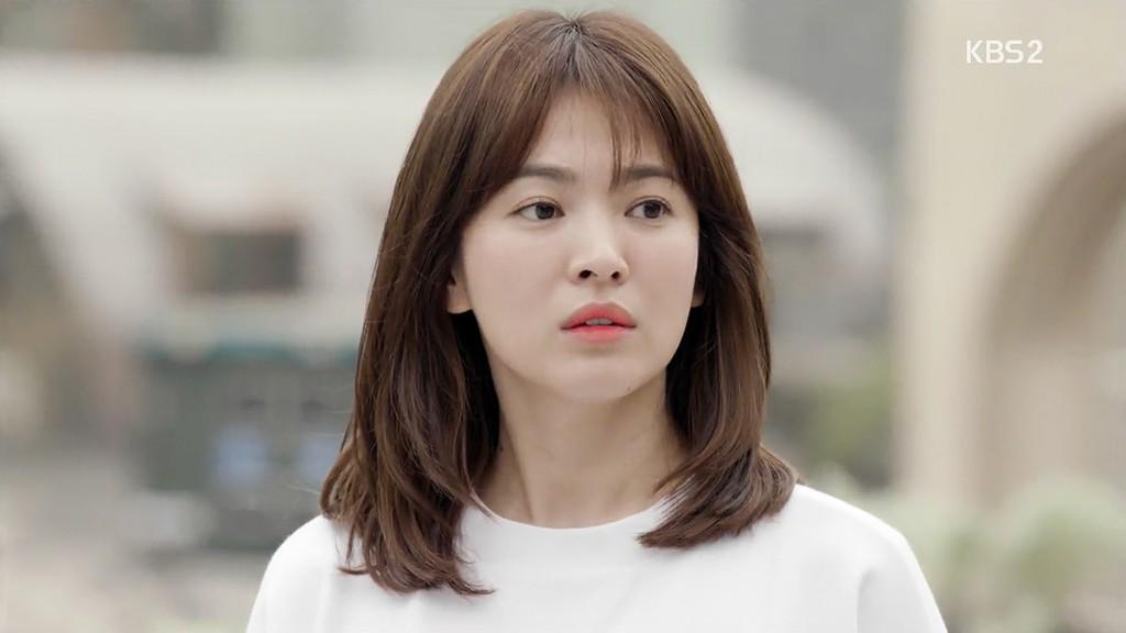 "tuong dai nhan sac nhu song hye kyo cung co khi phai ""muoi mat"" vi diem nay - 1"