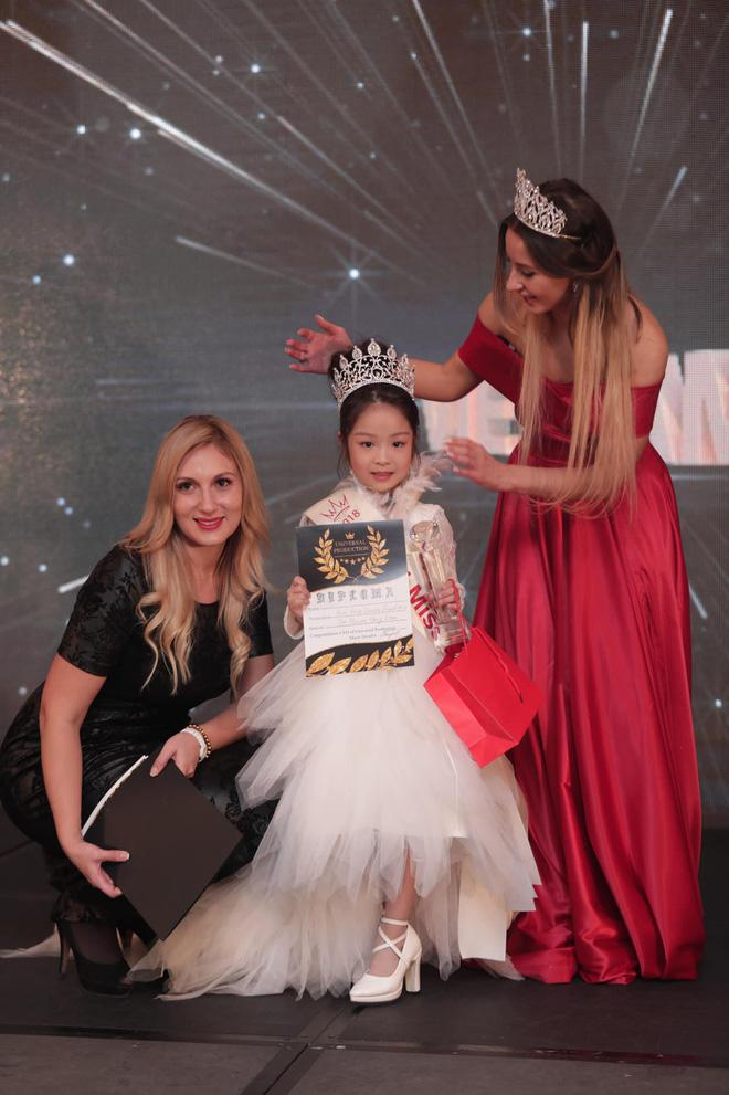 my nhan nhi 6 tuoi hai phong doat giai miss eurasia 2018, quoc phuc gay chu y - 1