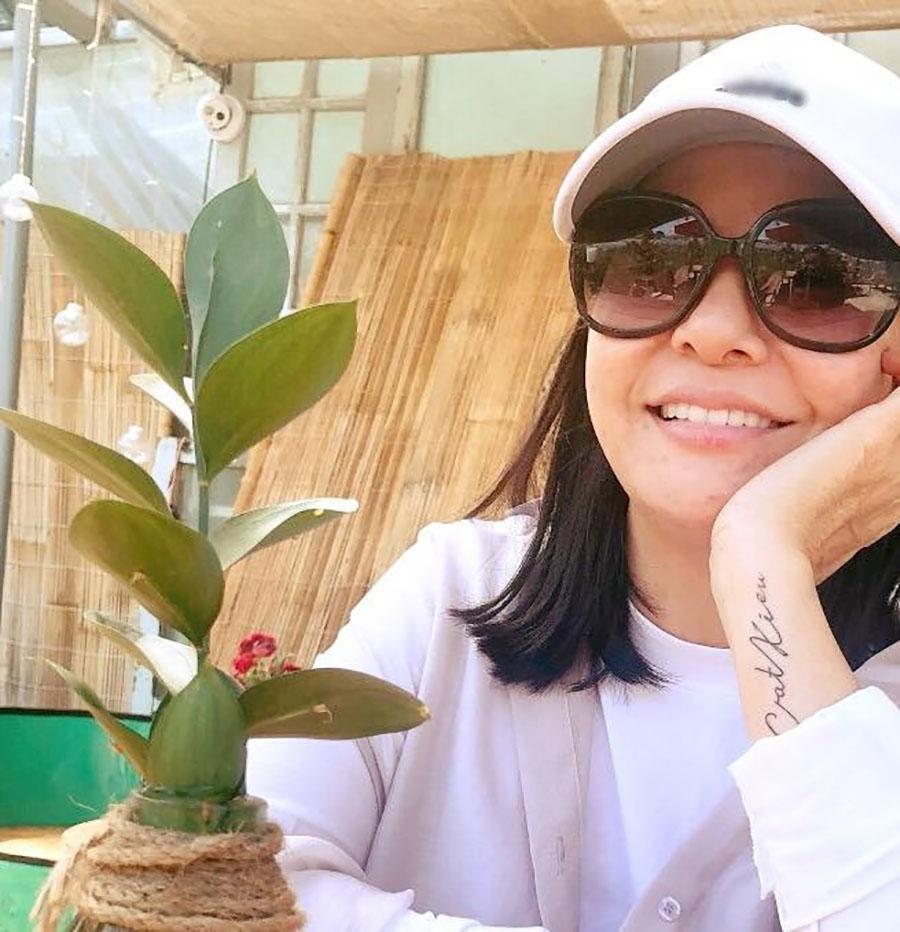 Sao Việt 24h: Hành động lạ của Cát Phượng sau scandal ngoại tình của chồng trẻ - 1