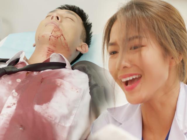 Hậu Duệ Mặt Trời Việt bị ném đá: Nữ chính khóc như... cố nhịn cười, định để bệnh nhân chết?