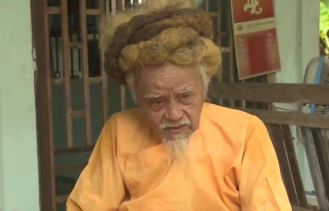 """""""di nhan"""" mien tay 70 nam khong cat toc goi dau - 1"""