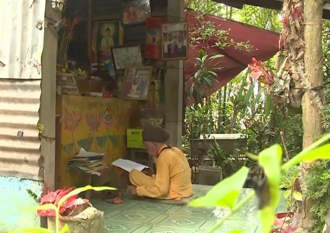 """""""di nhan"""" mien tay 70 nam khong cat toc goi dau - 2"""