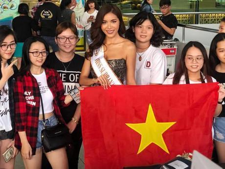 """""""Ngựa chiến"""" Minh Tú chính thức lên đường thi đấu tại Miss Supranational 2018"""