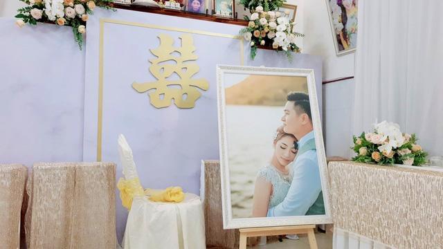 Sao Việt 24h: Hoa hậu Đại dương Thu Thảo hạnh phúc khi chồng làm điều này trong tiệc cưới - 1