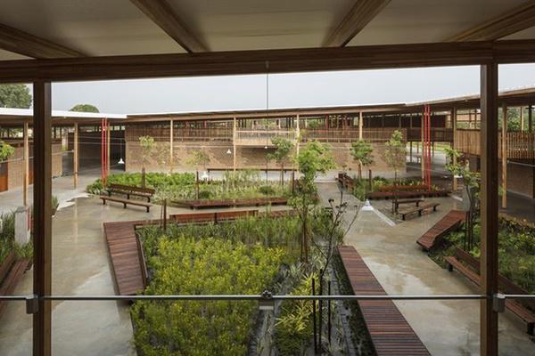 Ngôi trường giữa rừng bằng gỗ và gạch bùn cho học sinh nghèo cực chất - 3