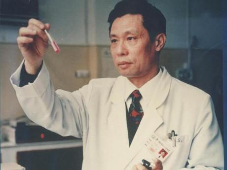 """Giáo sư y học đầu ngành Trung Quốc chia sẻ 5 bí mật giúp sống thọ """"dễ như ăn bánh"""""""