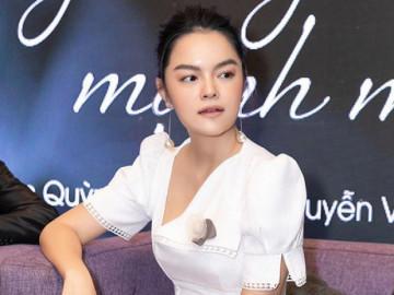 Hậu ly hôn: Phạm Quỳnh Anh mỉm cười nhẹ tênh