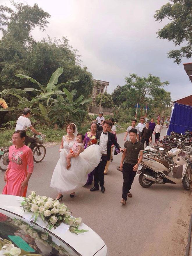 """4 co dau viet xinh dep nguc tran cho con bu, dan mang thot len """"dep bat phan thang bai!"""" - 3"""